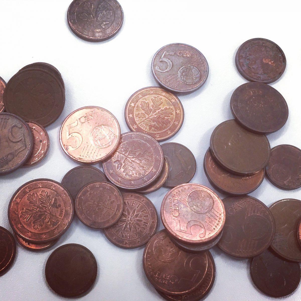 Glänzende Münzen zur Weihnachtszeit