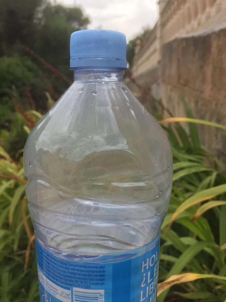 http://blog.forschenfuerkinder.de/2018/06/08/wetterforscher-der-wasserkreislauf/ Wasserflasche_Kondenswasser_Wasserkreislauf