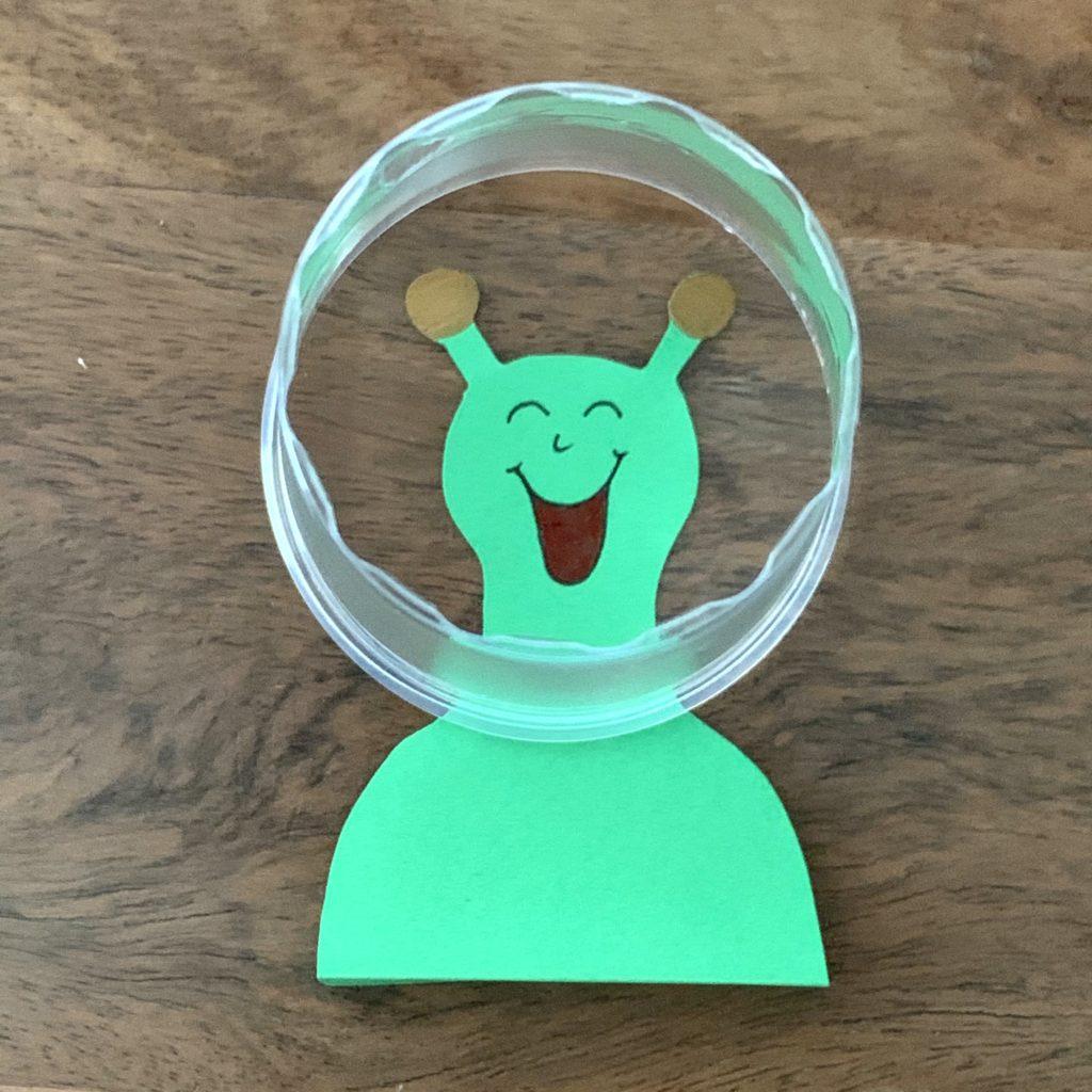 Forschen für Kinder Alien unter Glas Spiel Uforennen